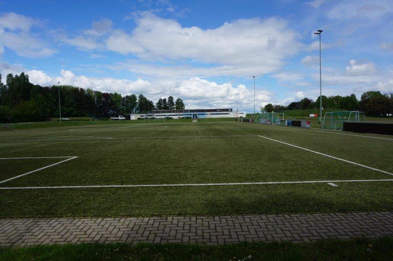 Blick auf den Sportplatz