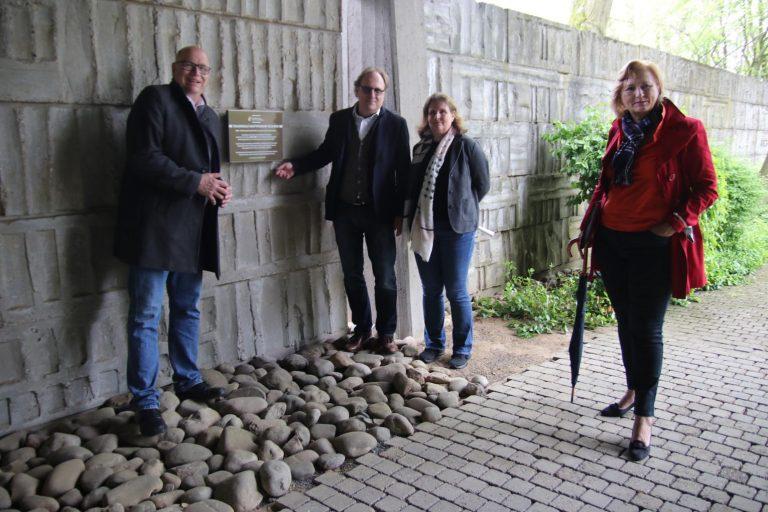 Bürgermeister Albrecht Kündiger, Mark und Aspe Rosenberg, Dr. Beate Matuschek.