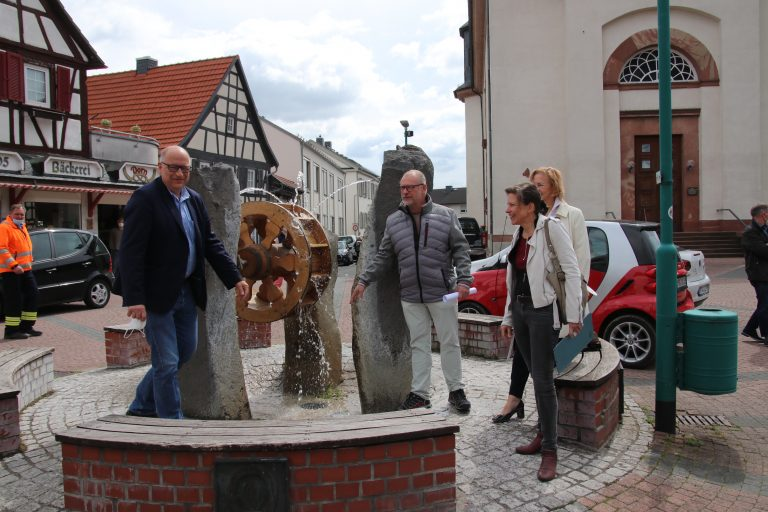 Bürgermeister Albrecht Kündiger, Peter Piesch, Vorsitzender Bürgervereinigung Münster e.V., Claudia Pense und Dr. Beate Matuschek.