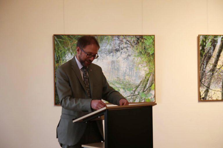 Zur Begrüßung spricht Gregor Maier, Fachbereichsleiter Kultur im HTK.