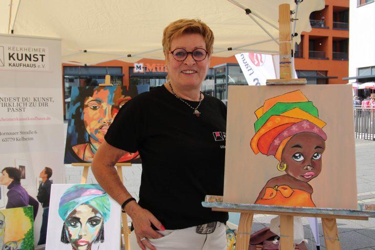 Künstlerin Ulla Hübner hat...