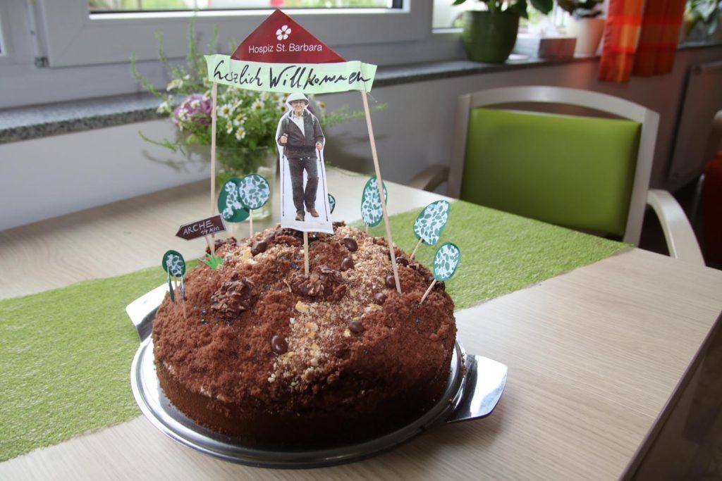 Ein Maulwurfkuchen für den (Rad)-Wanderer.