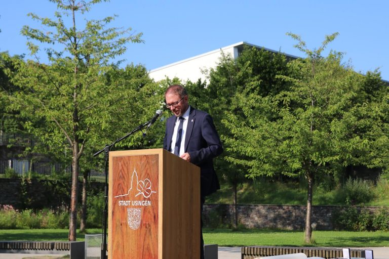 Kulturreferent Gregor Maier obliegt die Anmoderation und Begrüßung.