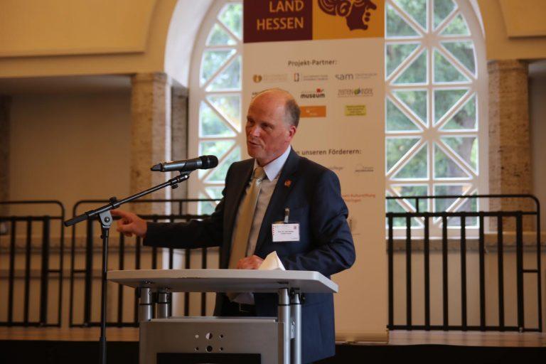 Professor Dr. Udo Recker, Landesarchäologe von Hessen.