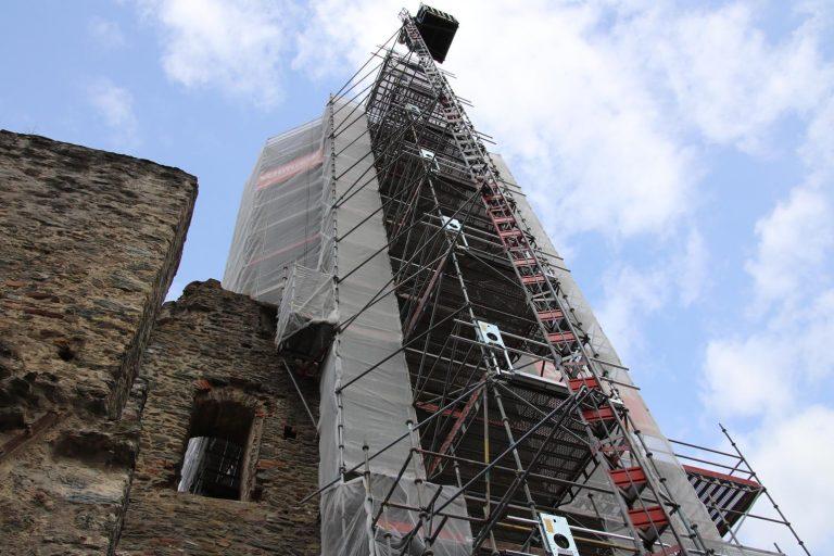 30 Meter hoch ist der Bergfried.