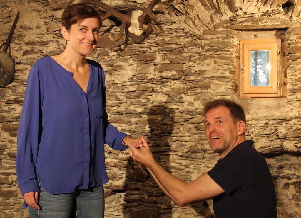 "Spontaner Heiratsantrag: Sagt Janine (Stefanie Petereit) ""Ja"" zu Boris (Norbert Deeg)? - Foto: Sabine Neugebauer"
