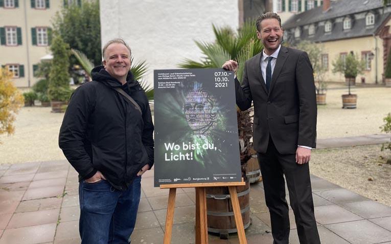 Künstler Philipp Geist und Oberbürgermeister Alexander Hetjes. - Fotos: Stadt Bad Homburg