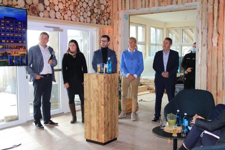 Hedmar Schlosser, Carolin und Jens Fischer, Melanie Küssner sowie Michael Kuchenbecker