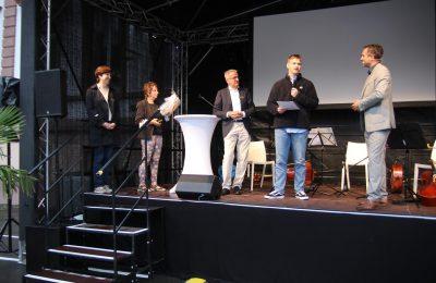 Professor Bärbel Beinhauer-Köhler, Gabriele Wölki, Gleichstellungsbeauftragte der Stadt Oberursel, Markus Neukirch, Max Emil Jochens und Markus Philipp (v.l.n.r.)